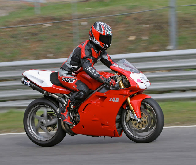 Ducati 748SP HD Photos