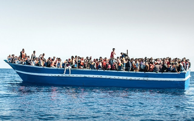Μετατρέπουν ένα - ένα τα νησιά μας σε αποθήκη ψυχών! Μετά την Μυτιλήνη η Κω, το Καστελόριζο και τώρα η Σάμος! Ετοιμάζεται κοινωνική αναταραχή!