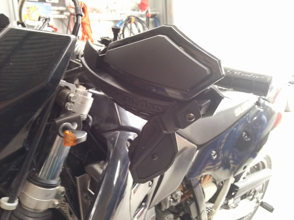 Daily Bikers: Making the stock DRZ 400 mirrors disappear for $25