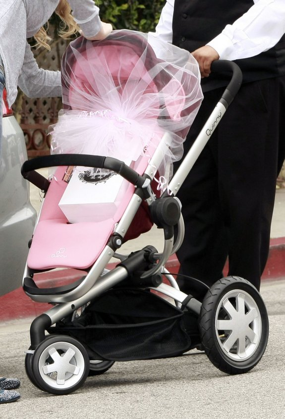 Superior Victoria Beckham Baby Shower Part - 8: Victoria Beckham Celebrated A Pink Baby Shower This Motheru0027s Day Weekend.  According To People Magazine, Victoriau0027s Friends Got Together At The  Private ...