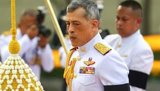 ملك تايلاند يظهر بشكل مفاجئ عشية الانتخابات ويدعو لحفظ الأمن