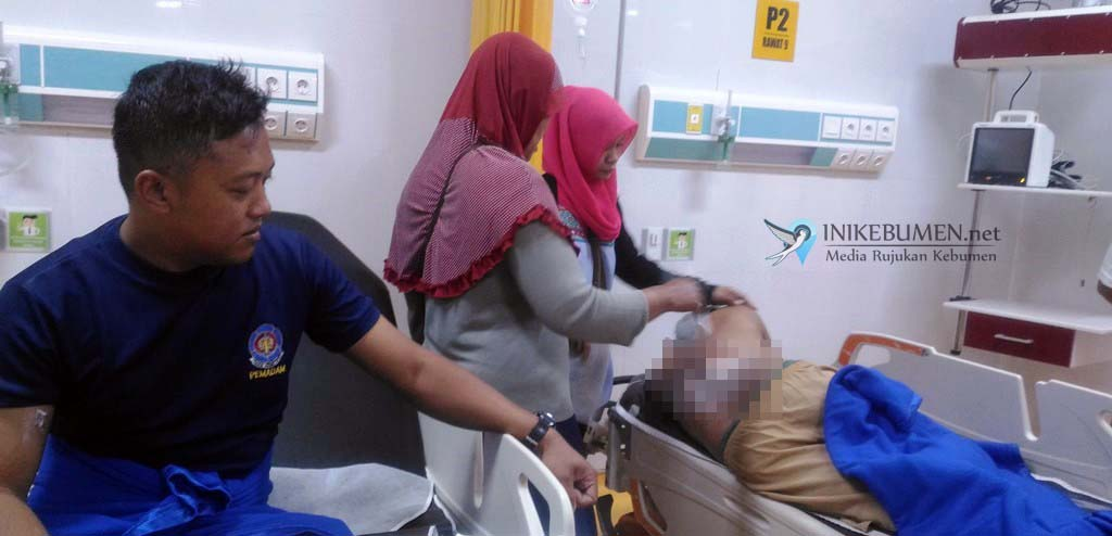 Alami Luka Bakar, Dua Petugas Damkar Kebumen Dilarikan ke Rumah Sakit