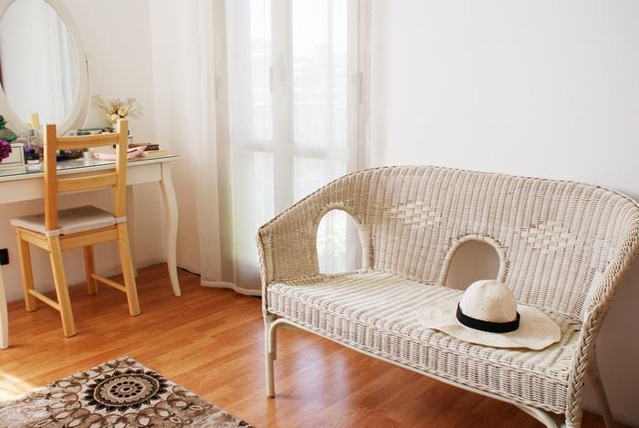 straw couch allwhiteeverything myroom