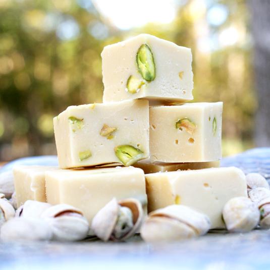 Baileys, White Chocolate and Pistachio Fudge