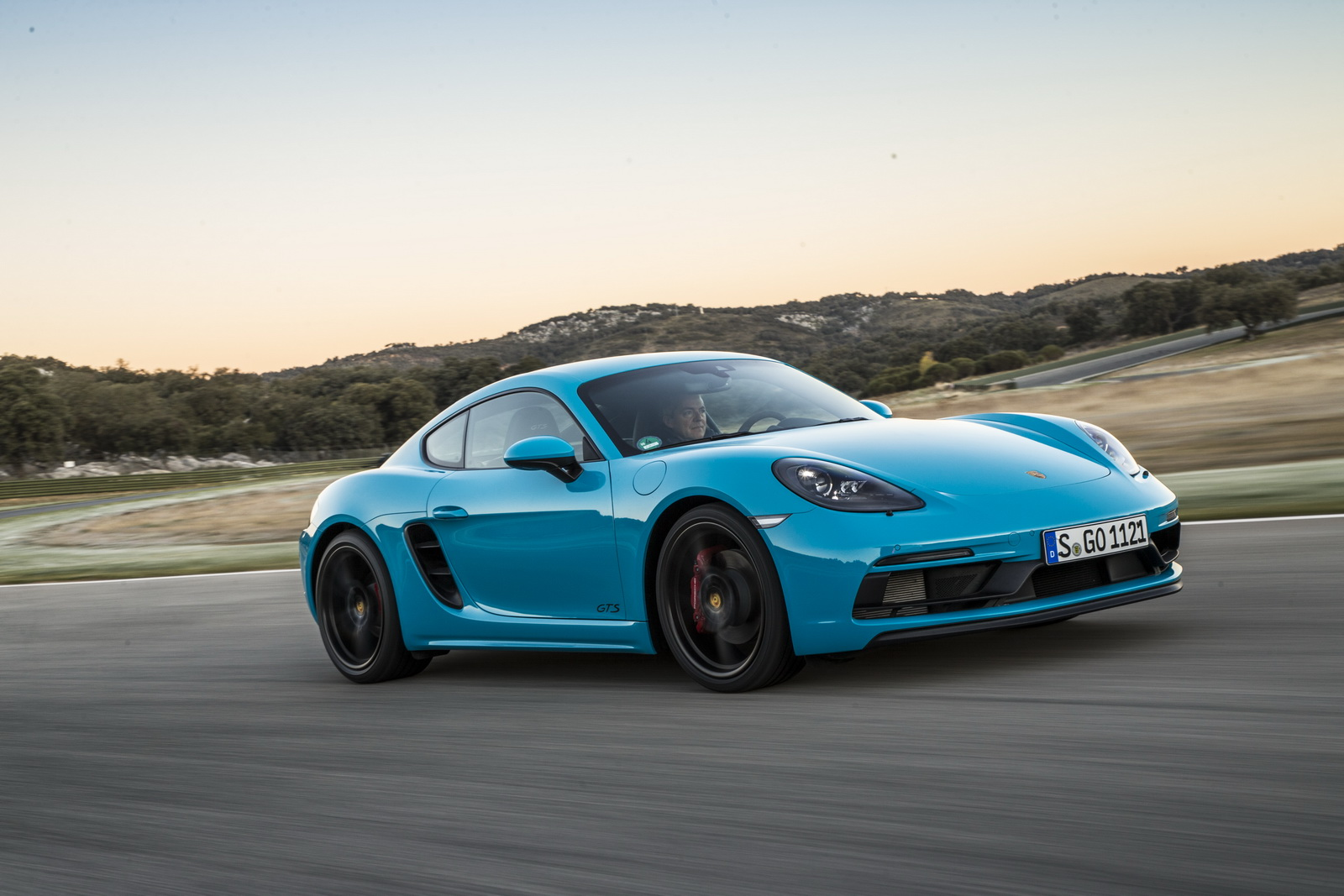 new porsche 718 cayman and boxster gts detailed in 85 pics carscoops. Black Bedroom Furniture Sets. Home Design Ideas