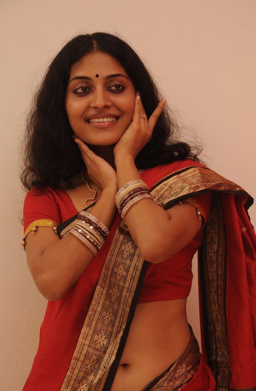 Malayalam Actress Navel Hip In Red Saree Kavitha Nair