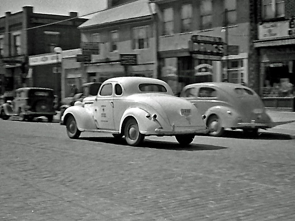 the automobiles during the 1930s In 1930, laws were proposed in massachusetts and st louis to ban radios while driving according to automotive historian michael lamm,.