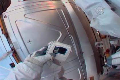 Kartu Memori Kamera Ketinggalan di Bumi, Astronot NASA Menyesal