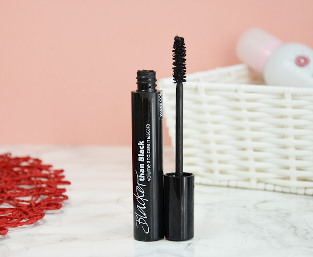 November Favourites 2017 Paese Blacker than Black Volume and Care Mascara