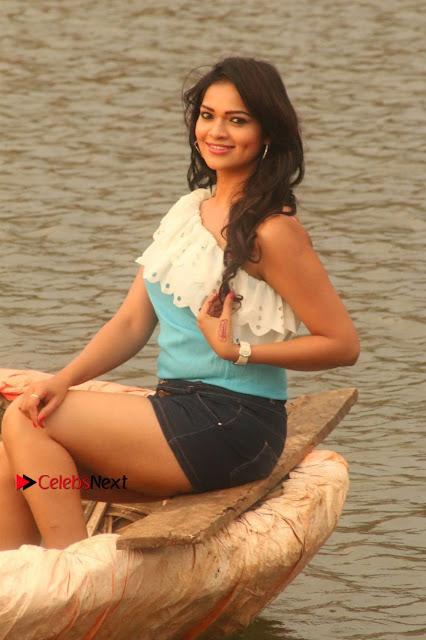 Ashwini Arjun Mahi Starring Nuvvu Nenu Osey Orey Movie Stills  0002.jpg