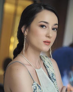 Julie Estelle pemeran Iklan Ellips Hair Vitamin