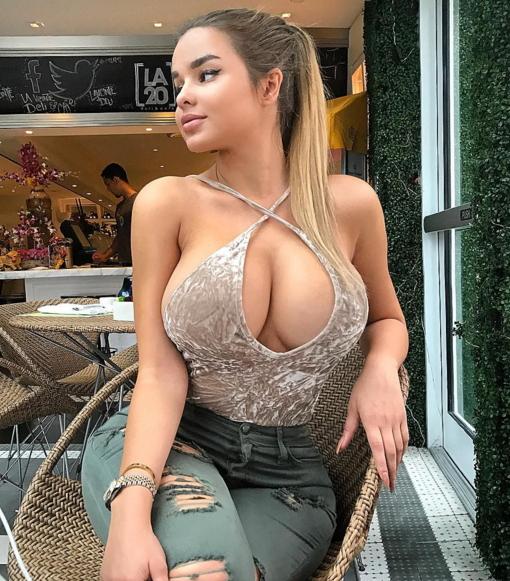 الفتاة التي اشعلت مواقع التواصل و نافست كيم كارداشيان