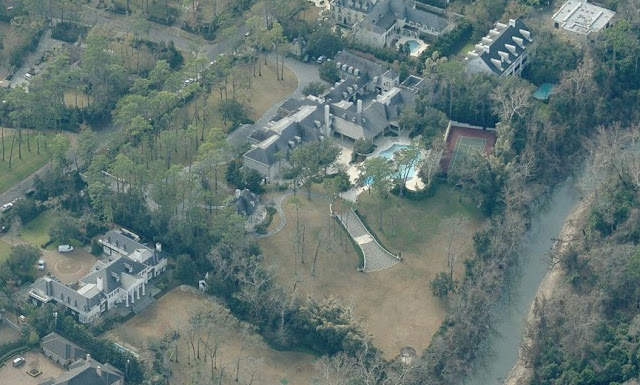 Higher aerial view of the back of Jeffrey Hildebrand's house.