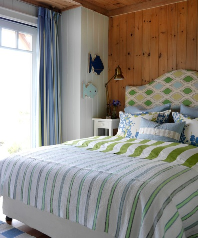 Beach Cabin Style Bedroom Design Idea