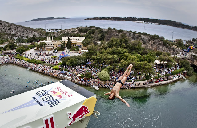 Cliff diving-акробатические прыжки в воду