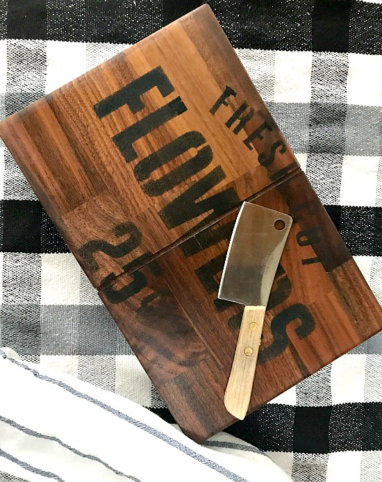 Butcher block sample cutting board.