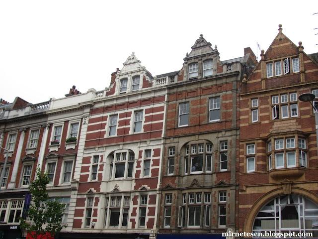 Один день в Лондоне: голландские дома на Кенсингтон-Хай-Стрит