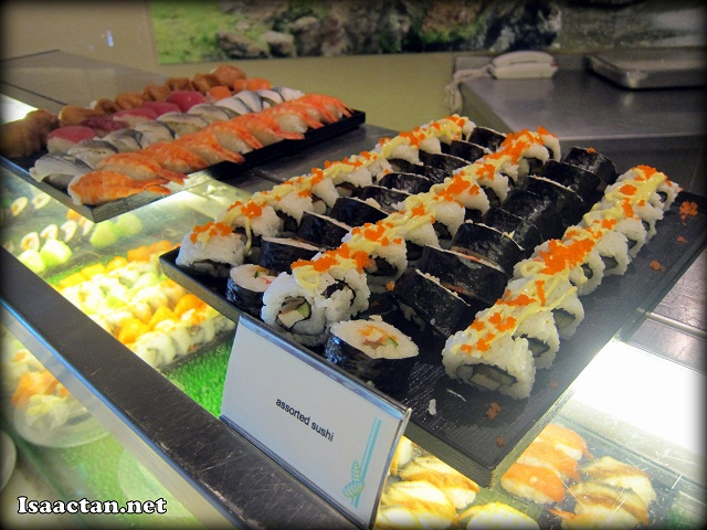 Sushi and seafood Cinnamon Coffee House One World Hotel