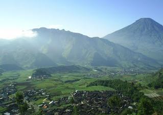 http://www.teluklove.com/2016/12/keindahan-destinasi-wisata-gunung_5.html