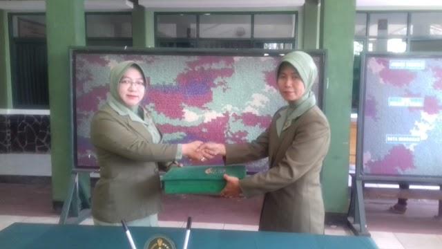 Jabatan Ketua Persit KCK Ranting 04/Sukmajaya Diserahterimakan