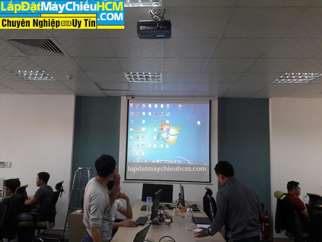 Lắp đặt máy chiếu Optoma PS368 cho phòng họp công ty