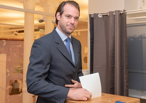 Hereditary Grand Duke Guillaume, Hereditary Grand Duchess Stephanie, Grand Duke Jean and Prince Felix voted for General Election