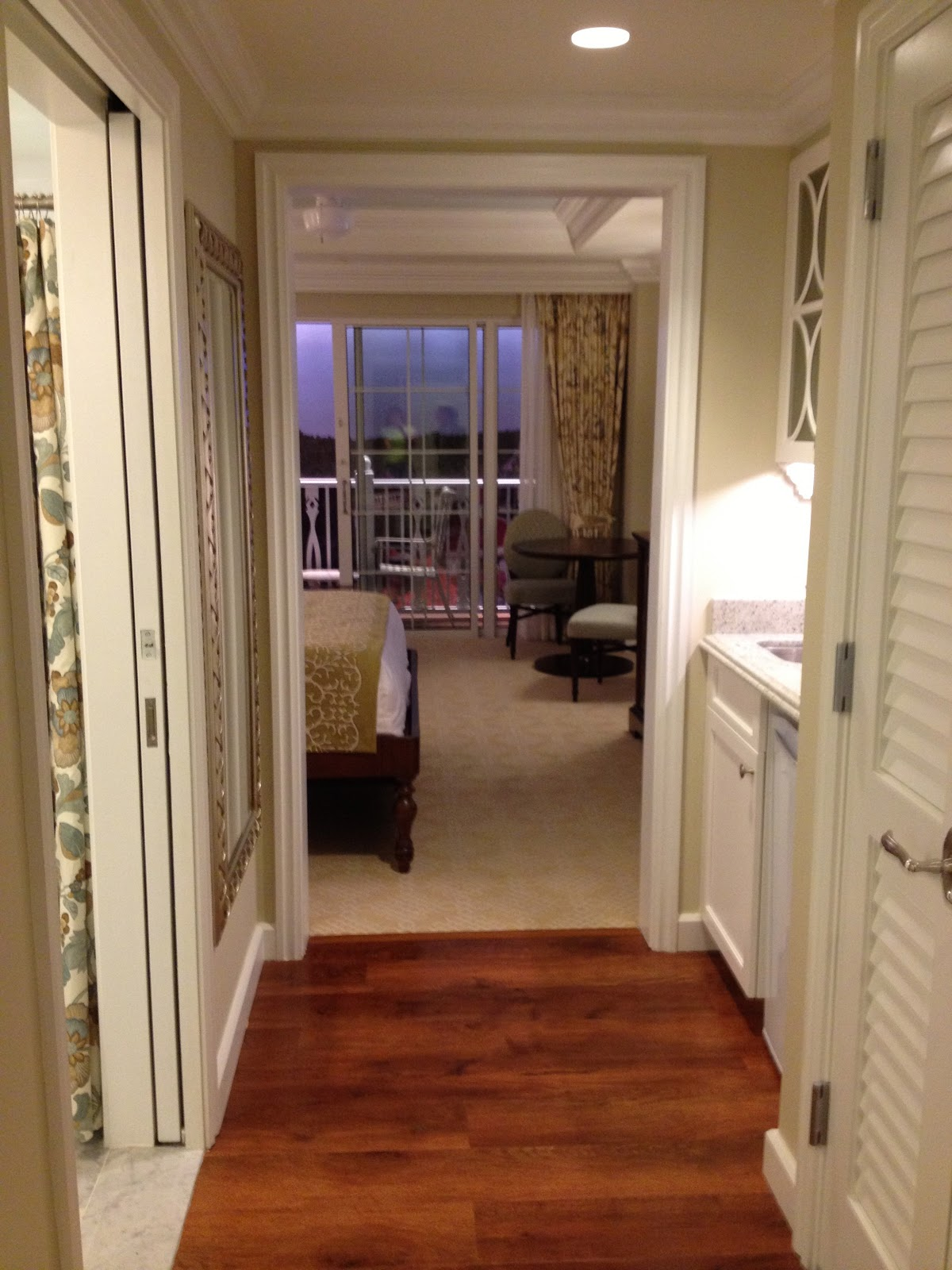General Splendour : I'm Moving To The Grand Floridian In