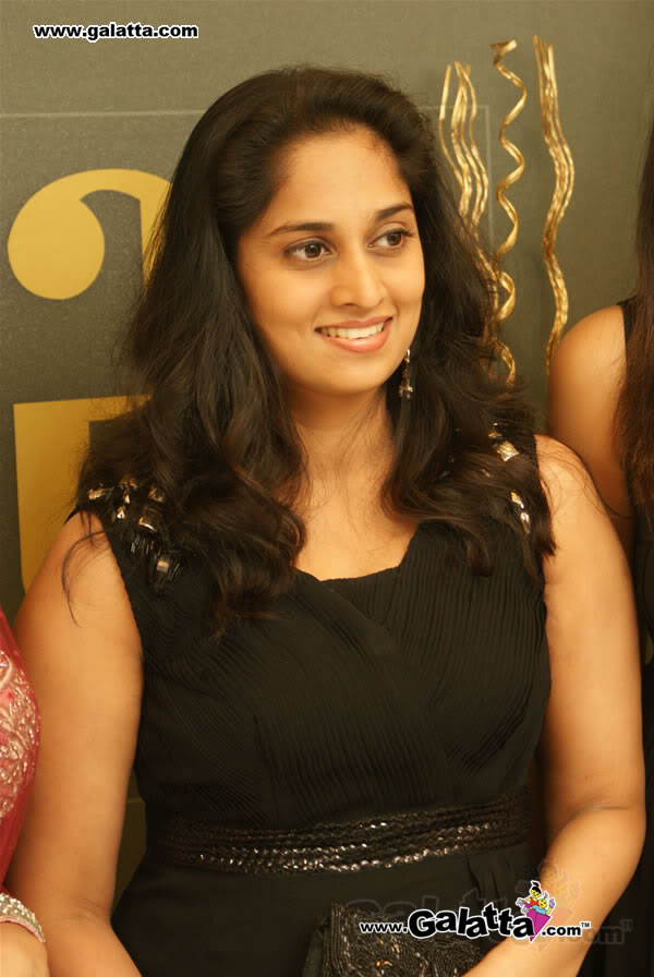 Actress Shalini Blue Film 95