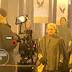 Vaza a primeira foto de Elisabeth Moss na terceira temporada e ela não está de aia!