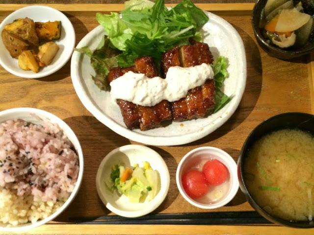 mumokuteki cafe:チキン南蛮風プレート