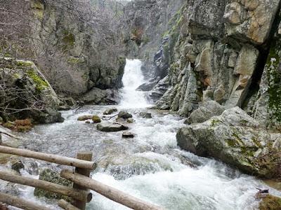 Cascada del Purgatorio con el grupo de senderismo - escapadillas.com