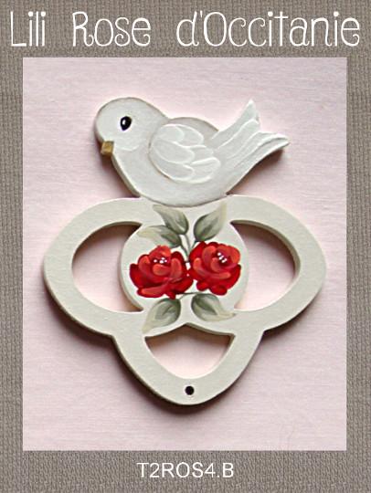 """Tri-fils 3 anneaux bois peint """"Colombe et roses rouges"""". Broderie et point de croix"""