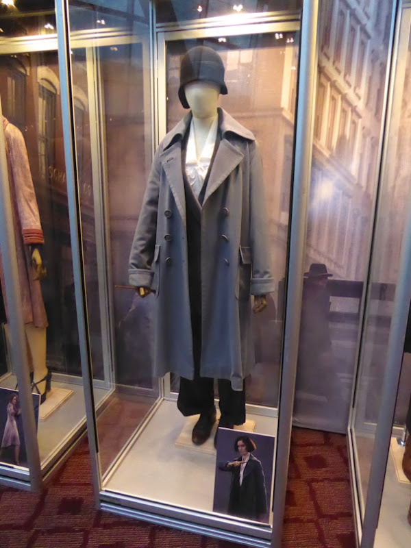 Fantastic Beasts Tina Goldstein movie costume
