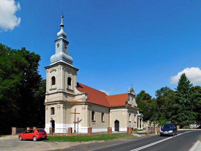 kościół, gościeszyn, dacia, samochód, ulica, wieża, świątynia