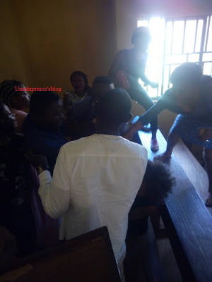 http://www.9jaskulinfo.com.ng/2017/11/two-final-year-students-of-ebsu-caught-fighting-after-lacture.html