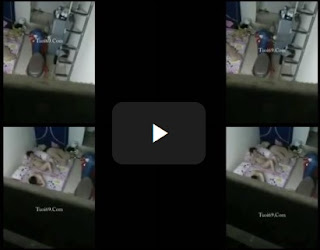 Clip: Lén được 2 con bé phòng kế bên, Ở truồng phơi hàng đang nghịch điện thoại!!!