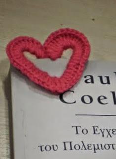 http://www.guiademanualidades.com/marcador-de-libros-tejido-a-crochet-8454.htm
