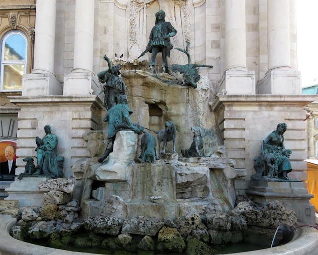 Mátyás kútja (Matthias Fountain) by Stróbl Alojs, Budavári Palota (Buda Castle), Budapest