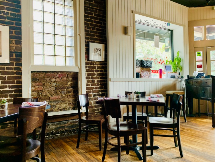 Breakfast at B. Matthews:  #2 of 12 Things To Do in 24 Hours in Savannah, GA:  | Ms. Toody Goo Shoes