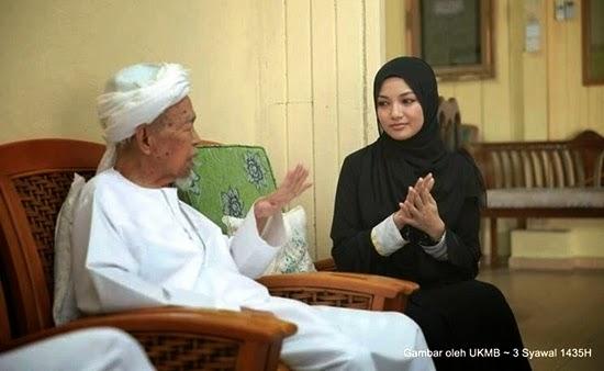 18 Gambar Neelofa Beraya Di Kelantan, Temui Tok Guru Nik Aziz