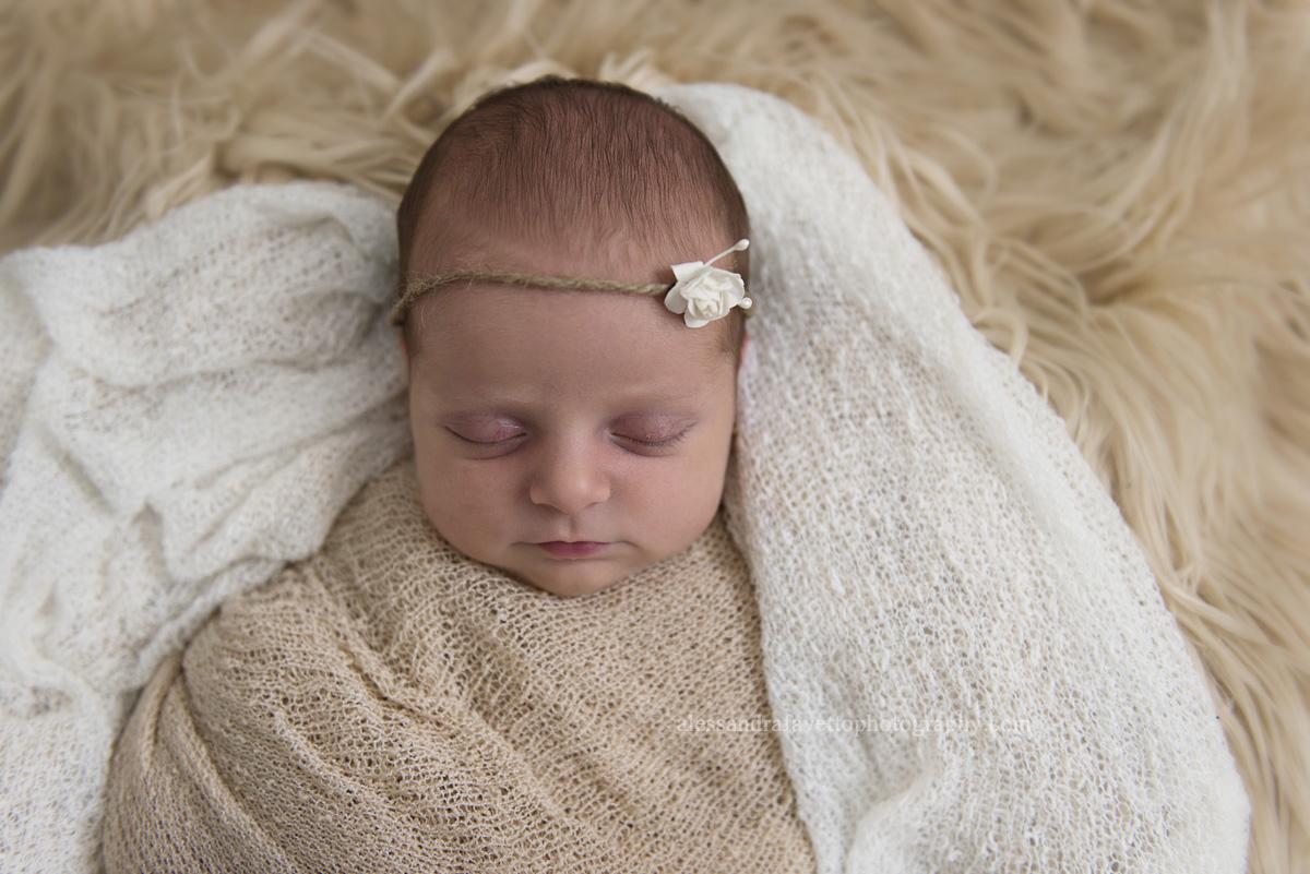 Sesión de recién nacido a domicilio en Utrera, Sevilla - Elena, 13 días - Alessandra Favetto Photography