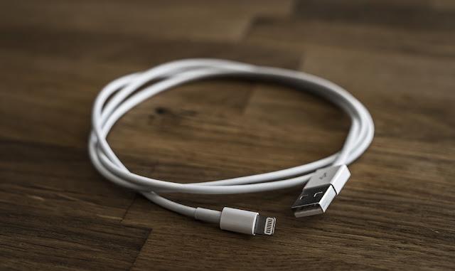 Connecteurs USB : Comment les identifier et les brancher