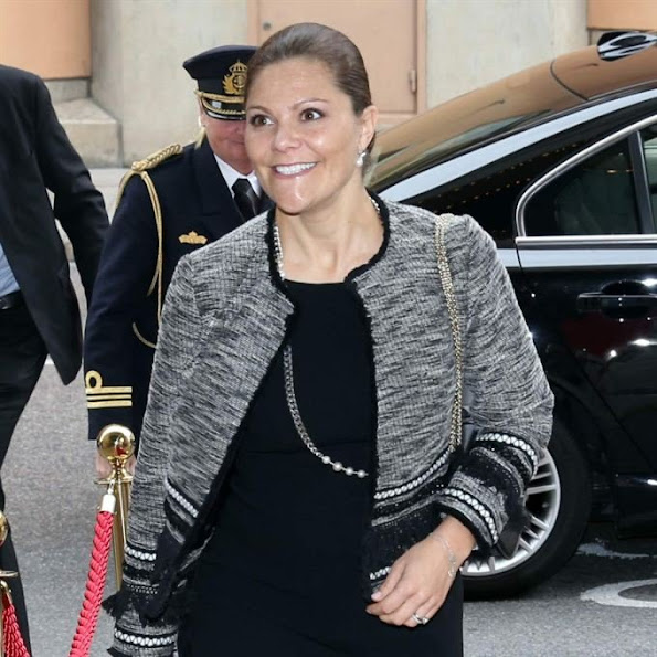 "Crown Princess Victoria of Sweden awarded Johan Söderström, CEO of ABB the ""Sustainability Prize"" at the a business weekly magazine's Sustainability Day"