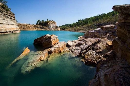 danau biru pangaron wisata banjarmasin