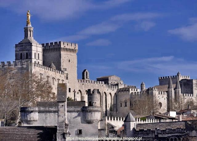 Centro Histórico de Avignon Cathedrale Notre-Dame des Doms