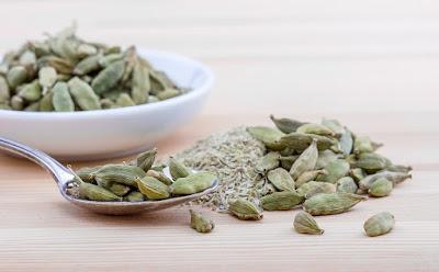 Manfaat Kesehatan, herbal, Manfaat Tanaman Herbal, kapulaga, manfaat kapulaga, kandungan gizi kapulaga, manfaat kapulaga untuk kesehatan,