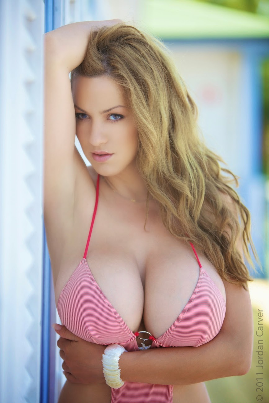 amature-picture-of-a-pair-of-nude-big-boobs