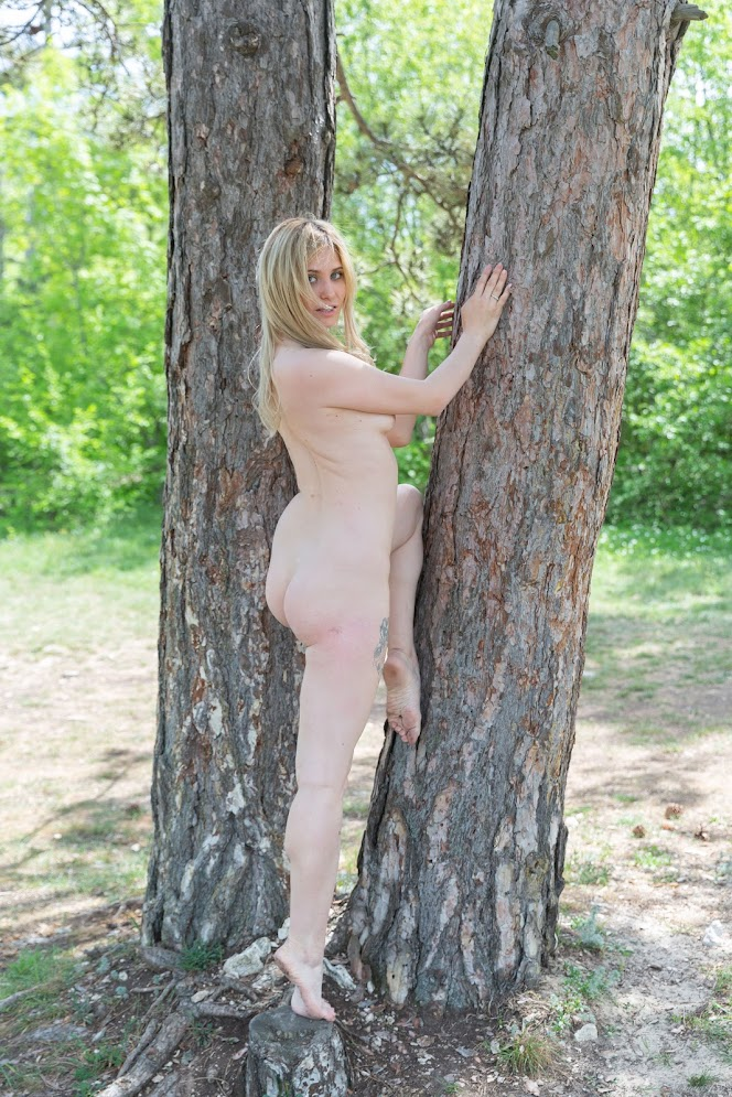 [Stunning18] Varvara - Between Two Trees - idols