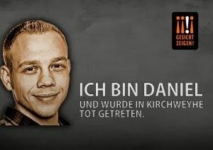 eecab9ce16e Στις 10 Μαρτίου 2013 ο νεαρός Γερμανός ζωγράφος Daniel Siefert, από το  Weyhe, 25 ετών, ήταν με μια παρέα φίλων. Οι φίλοι είχαν νοικιάσει ένα  λεωφορείο για ...