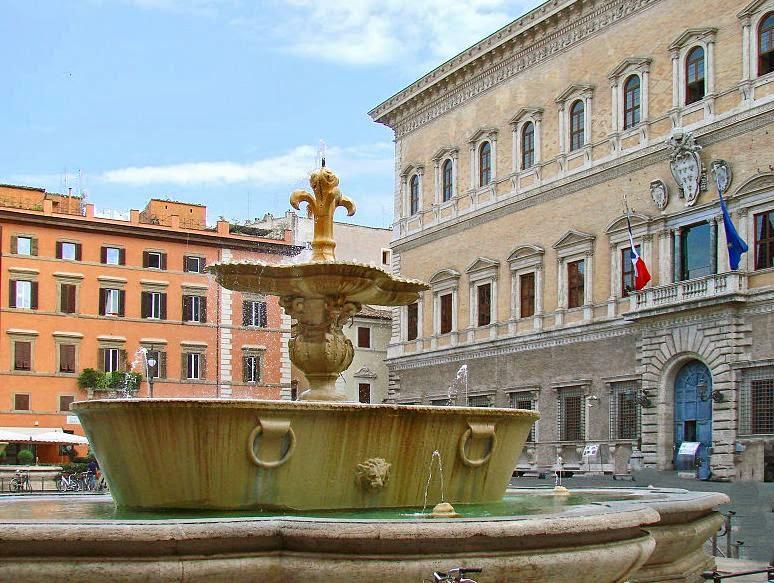 File: Palazzo Farnese a Rome.jpg